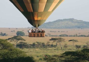 Floating over the endless plains of the Serengeti. Wito Africa guests on Luxury African Safari.