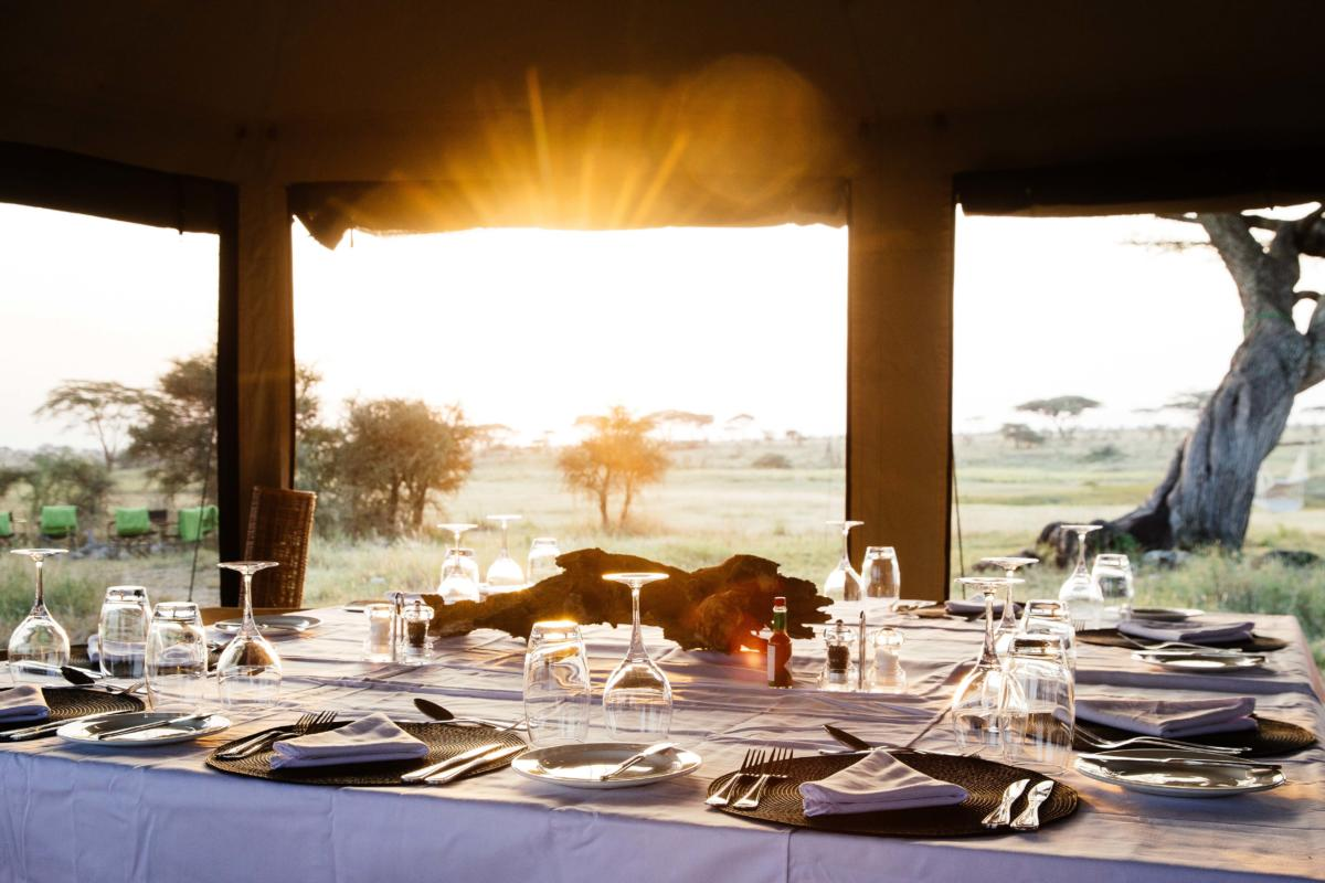 Namiri-Plains-breakfast-dining-layout-sunrise-Serengeti-Wito-Africa-Safaris-Tanzania