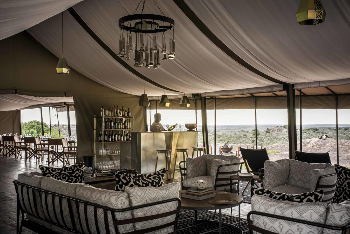 bar-lounge-Sanctuary-kichakani-tented-Serengeti-Wito-Africa-Safaris-Tanzania